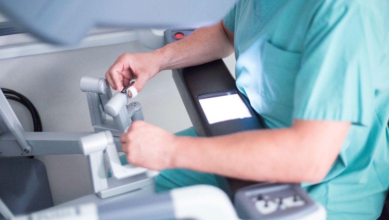 chirurgischer Eingriff mit da Vinci®-Operationssystem